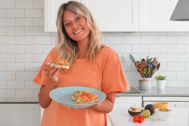 Vanessa Alfaro: tostas de abacate
