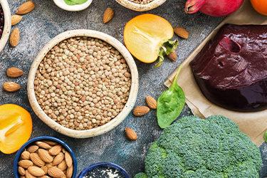 Anemia: O que comer, causas e sintomas