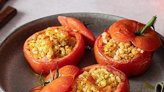 Tomate recheado no forno com Couve-flor e alho